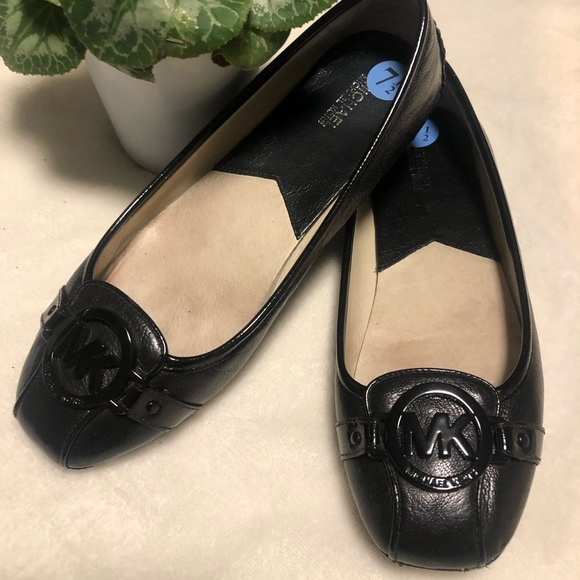 MICHAEL Michael Kors Shoes - Michael Kors Ballet Leather Flats in Black 7.5 🖤